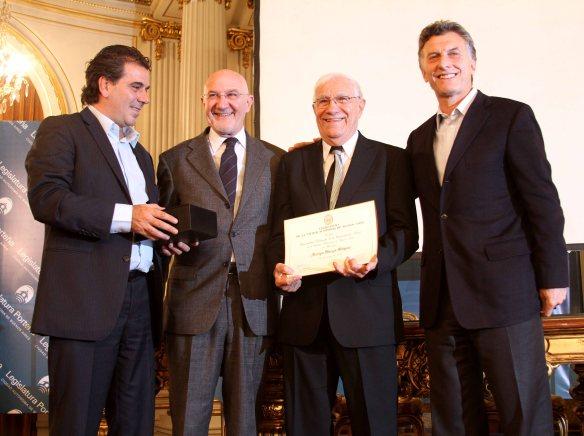 Un merecido halago de la Legislatura de la Ciudad de Buenos Aires Macaya Márquez, que lo destacó como una personalidad de la Comunicación