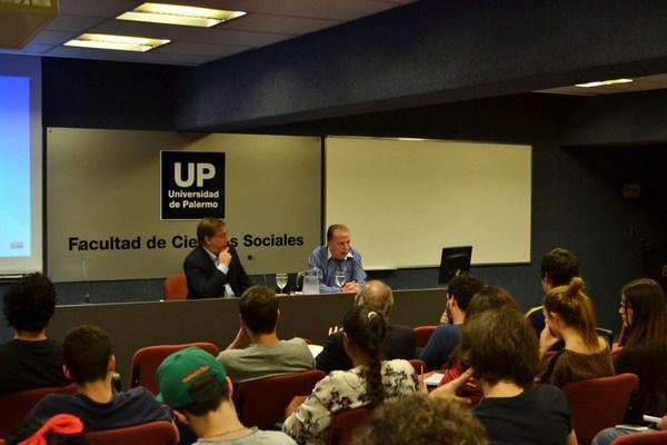 El ex subsecretario de Deportes ante estudiantes de Periodismo de la UP